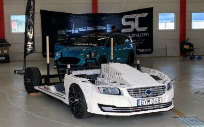 Legoproffset David Gustafsson gör en Lego-modell av sin Volvo V70 i full skala!